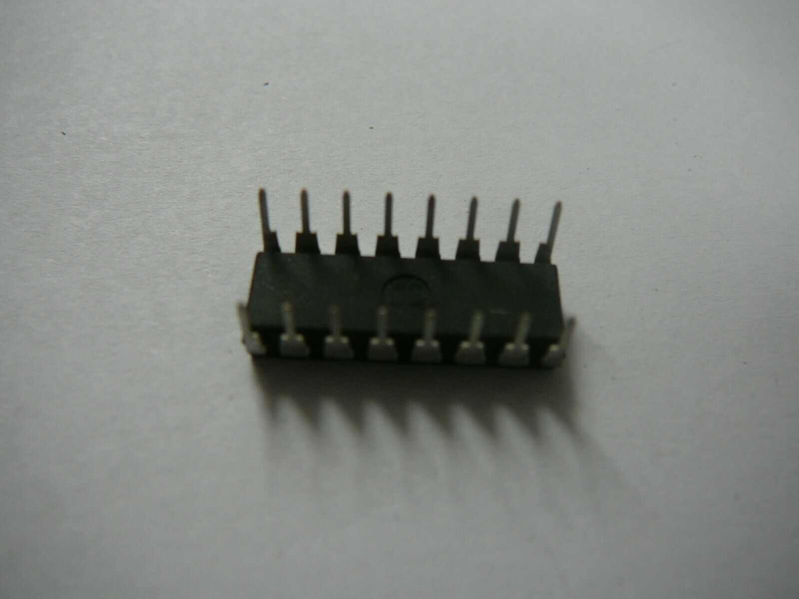 SN 74LS04 Integrierter Schaltkreis Hex Wechselrichter SN74LS04