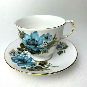 Queen-Anne-Fine-Bone-China-England-Tea-Cup-amp-Saucer-Blue-Flowers-Gold-Trim