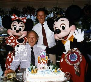 Disneyland 1990 Roy E. Disney / Art Linkletter Photo Proof Sheet 8x10 Plaza Inn