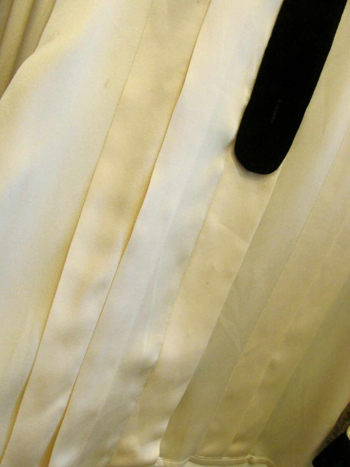 Vintage CHANEL France Ivory Silk Pleated Blouse S… - image 4