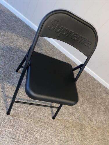 Supreme FW 20 Metal Folding Chair Color Black