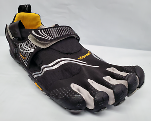 Vibram M3685 FiveFingers Komodo para Hombres Deporte Multi-Sport Negro Plata gris Zapatos