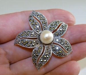 GENUINE-Vintage-Style-Marcasite-amp-Pearl-Flower-Brooch-Solid-Sterling-Silver-925