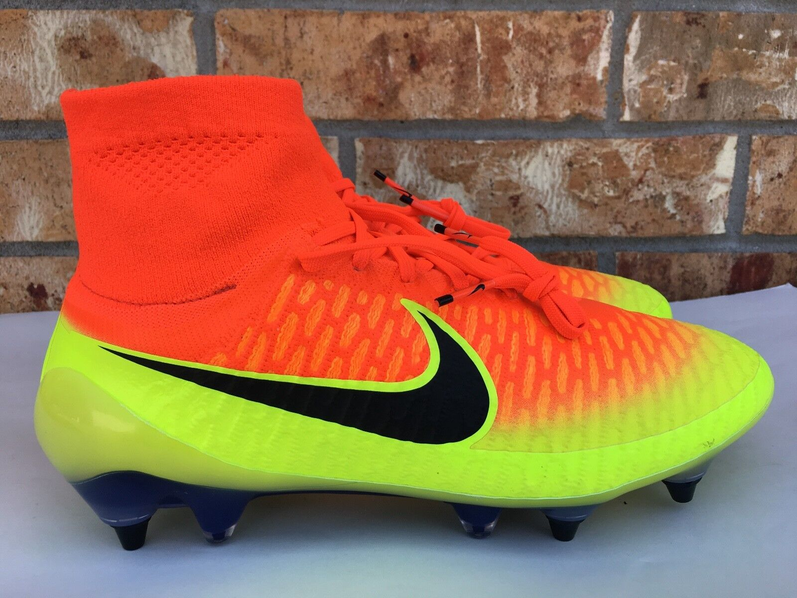 Men's Nike Magista Obra SG-PRO FG Soccer Cleats Crimson Black Volt 641325-808