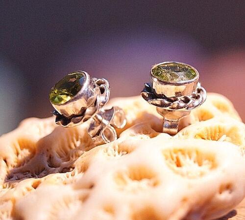 Handarbeit Ohrstecker Rund Silber Peridot 7 mm Elegant Verspielt Grün Facettiert