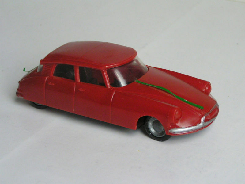 OLD CITROEN DS19 DS 19 PLASTIC & TIN RED HUNGARIAN FRICTION TOY CAR 6