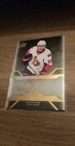 Mike-Hoffman-2016-17-UD-Black-Hockey-Pro-Penmanship-Gold-Auto-25-49