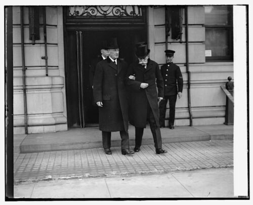 Photo of Justice McReynolds /& Holmes at funeral of Justice McKenna 11//22//26