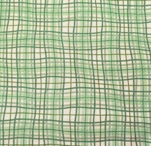 Verde by Studio 8 BTY Quilting Treasures Multipe Green /& White Plaid
