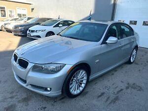 2011 BMW 3 Series 328XI X DRIVE ED  AUT TOIT ETAT IMPECCABLE DOCCASI