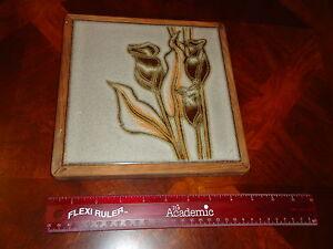 BEAUTIFUL FRANCE IRIS FLOWER FLORAL FRAMED CERAMIC TILE ART PLATE HANGING PLATE
