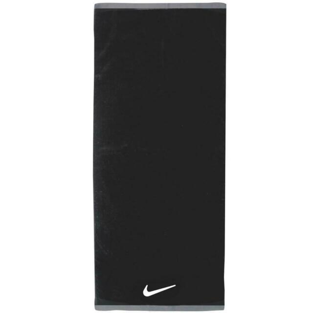 Nike Fundamental Towel Black 14 X 32