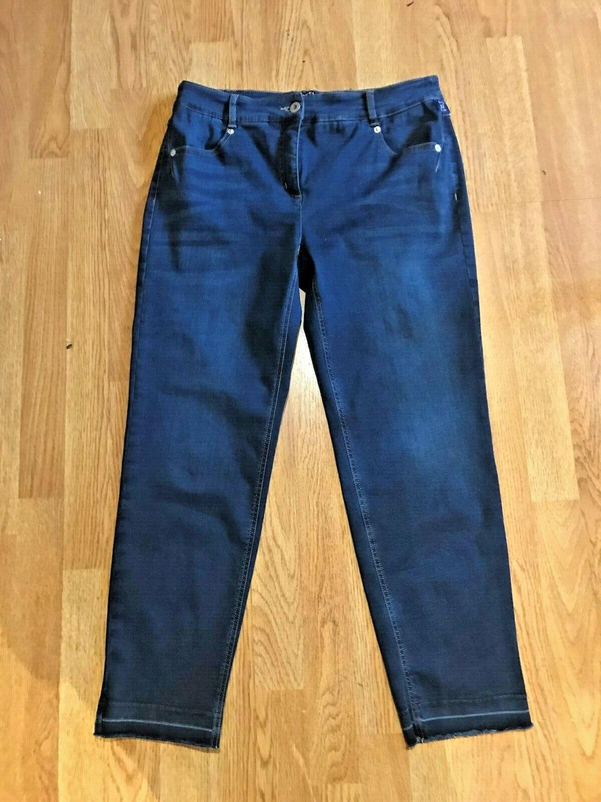 Robell Elena 09 Stretch Dark bluee Skinny Cropped Mid Rise Raw Hem Jeans BNWT s16