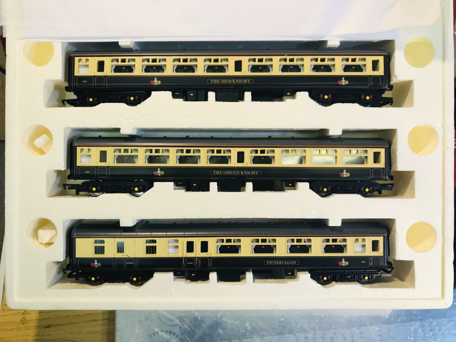Hornby 00 Excalibur Set Of Brand New 3 Coches