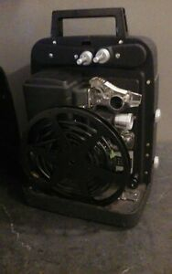 Vintage-Bell-And-Howell-Auto-Load-Model-256-Movie-Projector-With-Cover