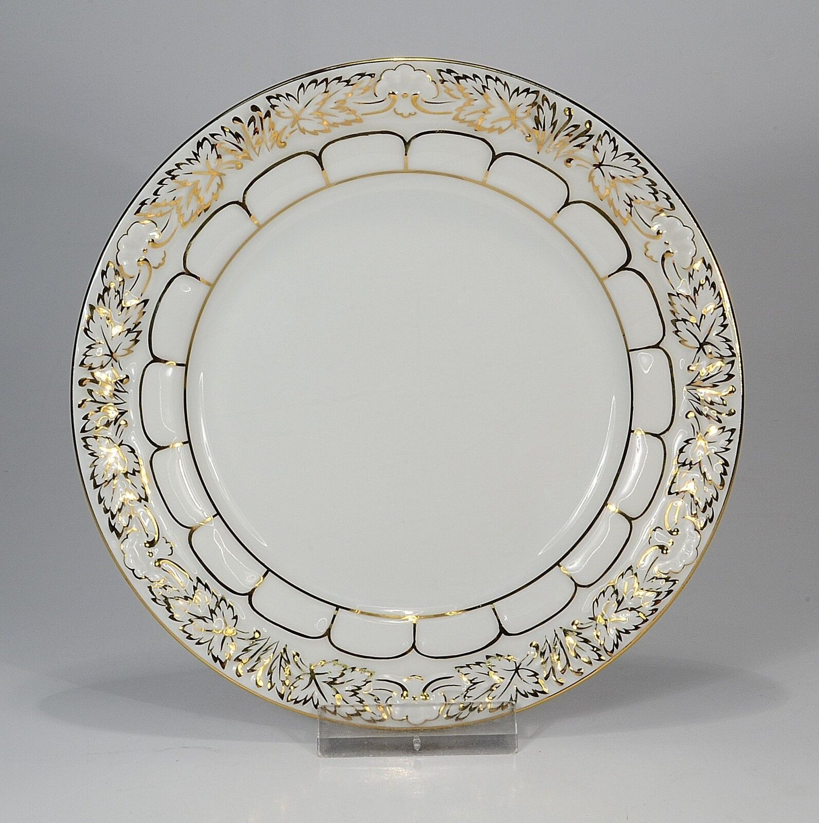 Meissen   X-Form   Pageantry-Plate 5 1 2in 1st Choice