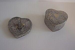 Vintage-Ornate-Vanity-Heart-Shaped-Ring-Holder-amp-Hinged-Trinket-Box-Pair