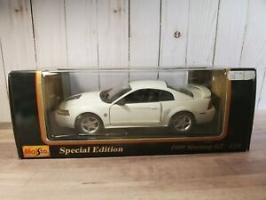 Maisto-1999-Ford-Mustang-GT-1-18-Scale-Diecast-Model-Muscle-Voiture-Blanc-31860