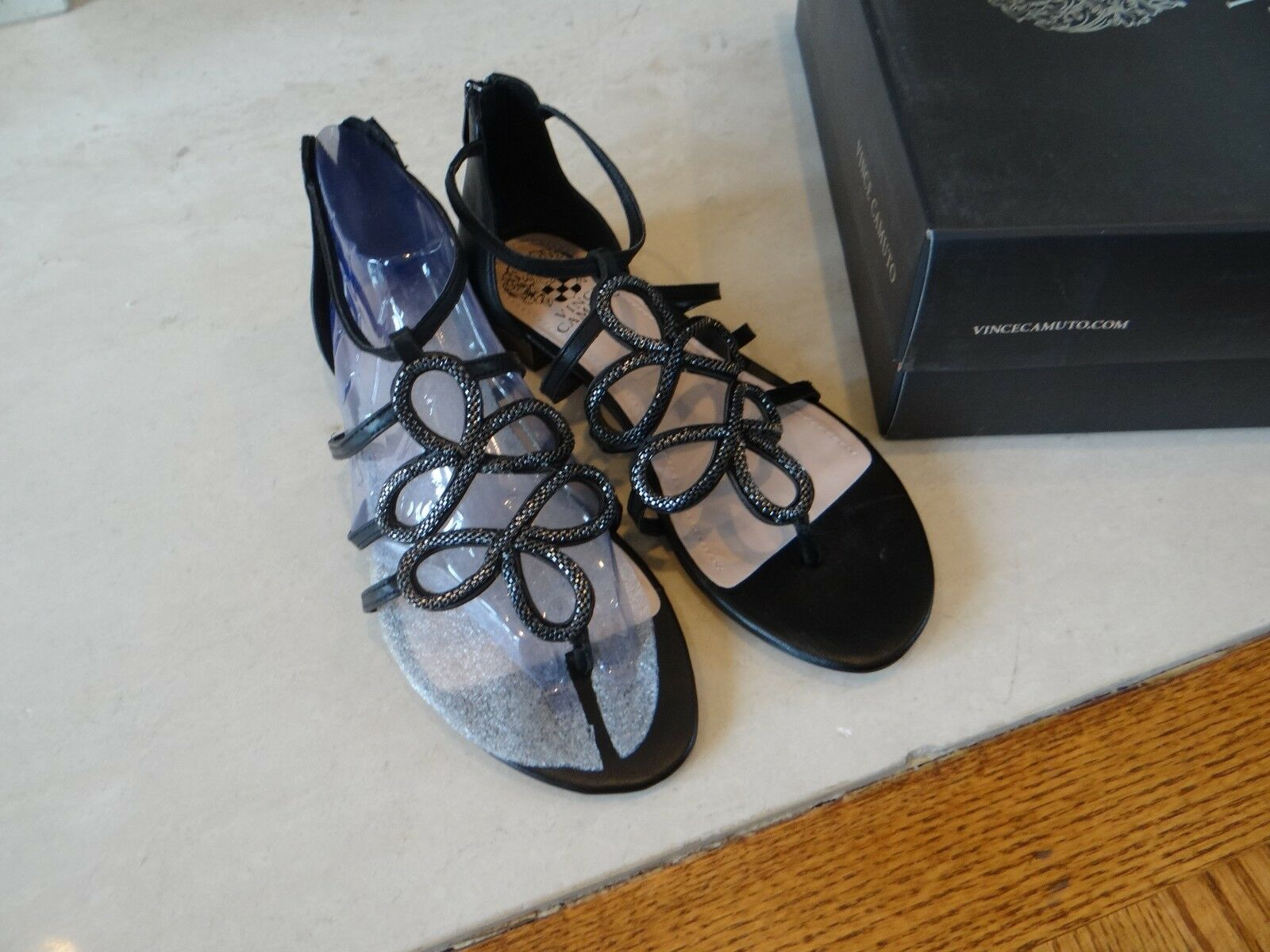 1 Paire 7 m noir Flats Vince Camuto New in Box Harissa