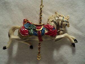 KSA-034-CAROUSEL-HORSE-034-Ornament-WHITE-New