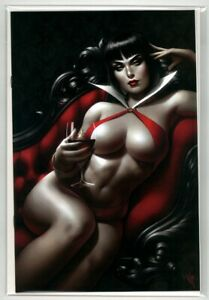 Vampirella-1-Warren-Louw-Store-Exclusive-Variant-El-Quinto-Mundo-Sold-Out