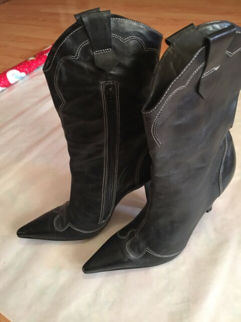 BCBG womens  leather boots size 6