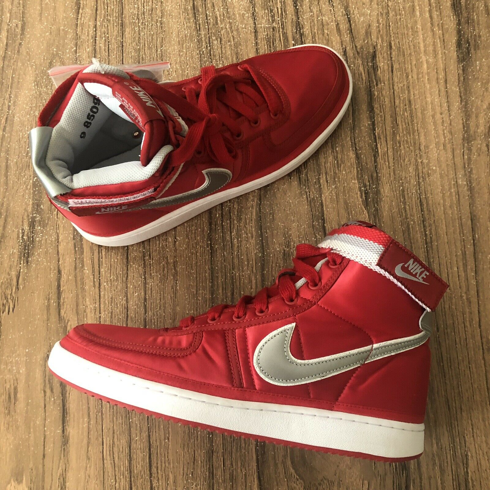 A1129G Nike Vandal High Supreme QS Red Silver AH8652-600 Men's Size 9 NEW