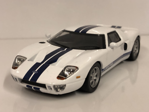 Ford-GT-40-1-43-Escala-Modelo-Coche-De-Juguete-En-Miniatura-Diecast-2002-Blanco-GT40