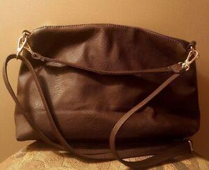 Pre-Owned-Women-s-Brown-Color-Handbag