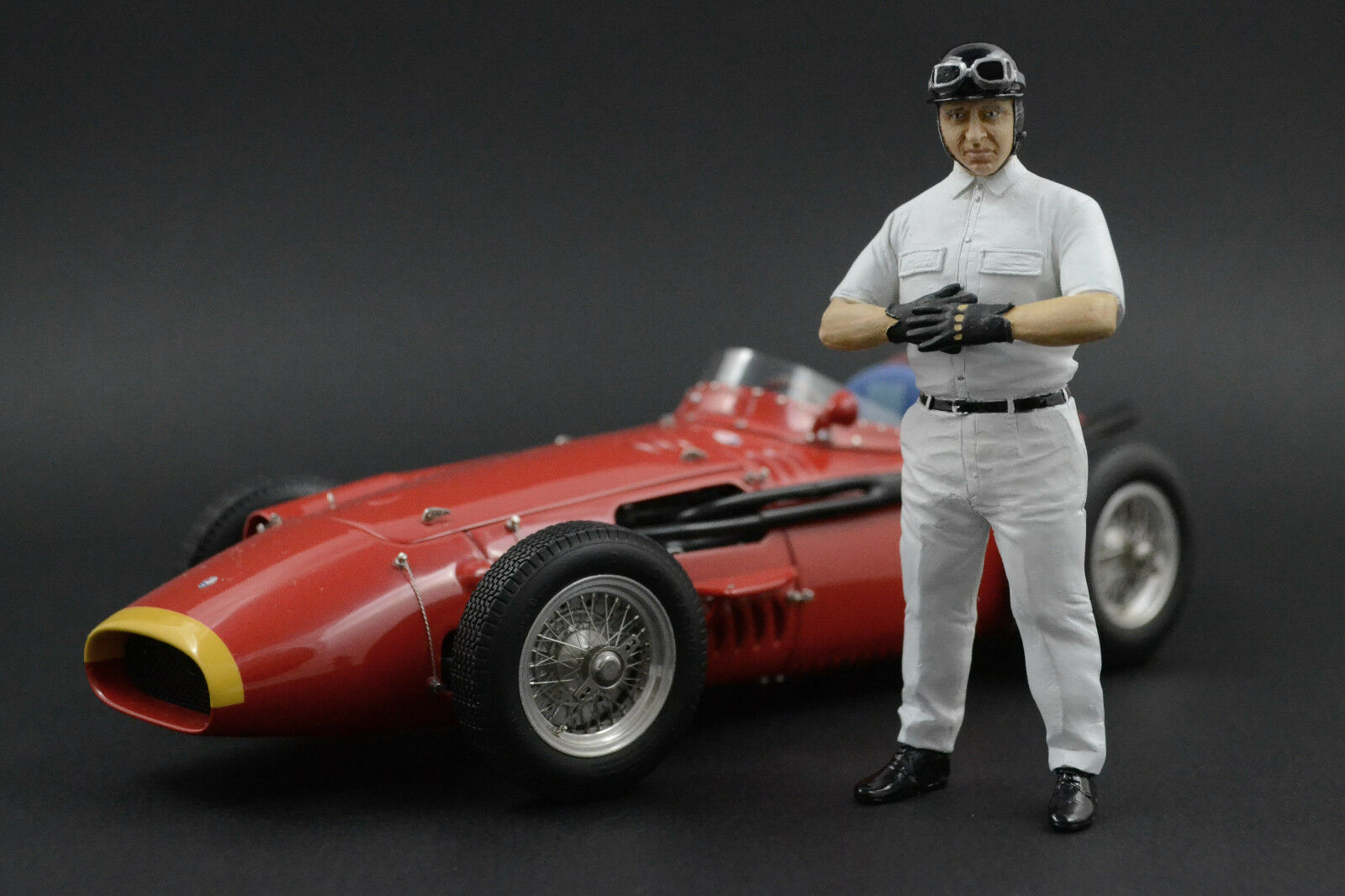 Juan Manuel Fangio personaggio per 1 18 CMC CMC CMC LANCIA d50 a21d56