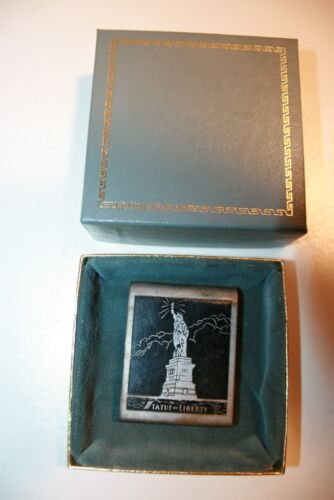 Vintage 1940s Statue of Liberty NY Small Metal Bel