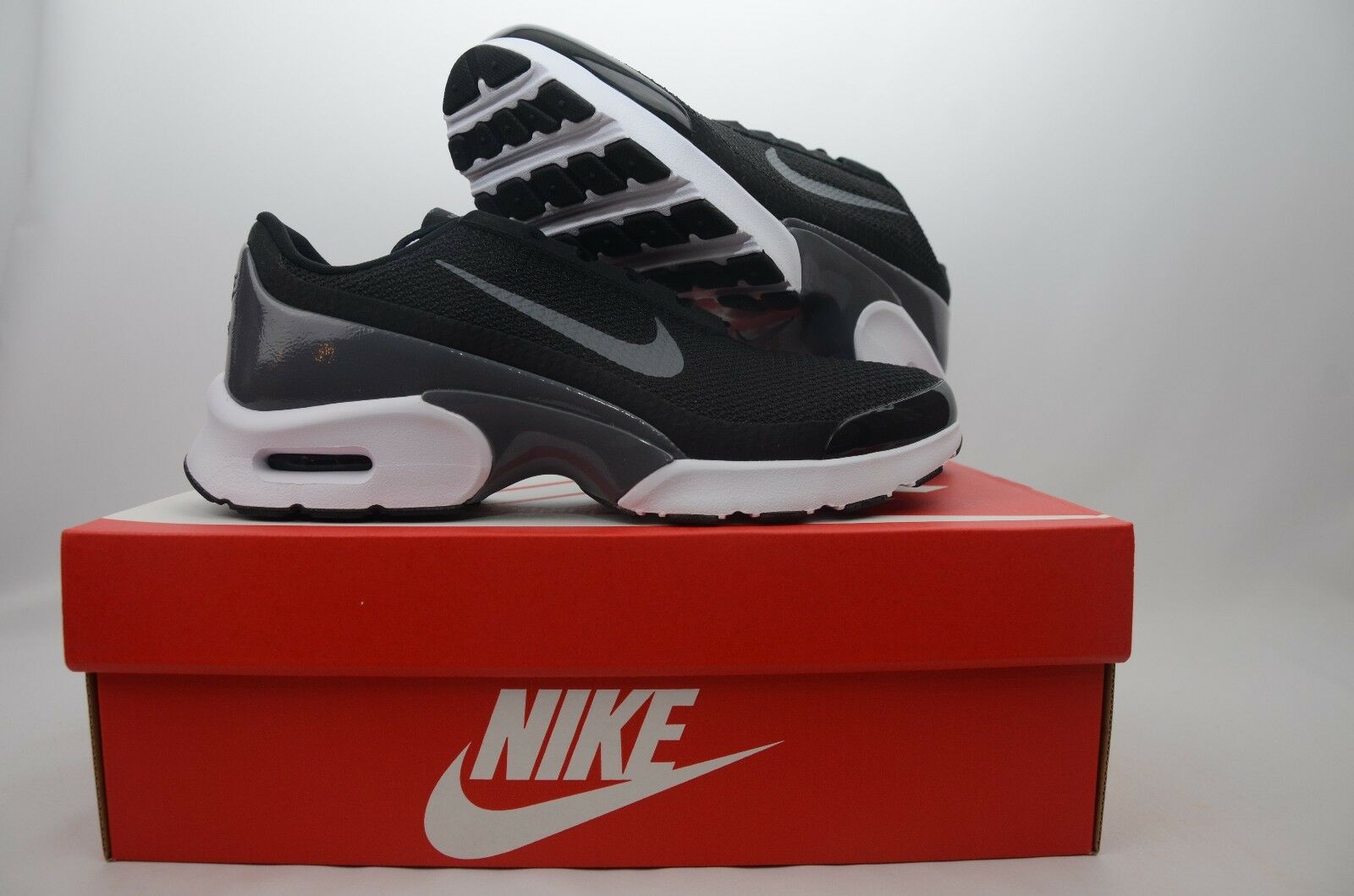 Nike Air Max Jewell Black Running Sneaker Women's Size Size Size 7-9 New in Box 896194 001 5ad5fa