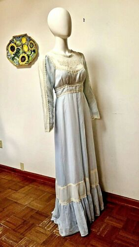 VINTAGE 1970S GUNNE SAX BABY BLUE DRESS--Size 11