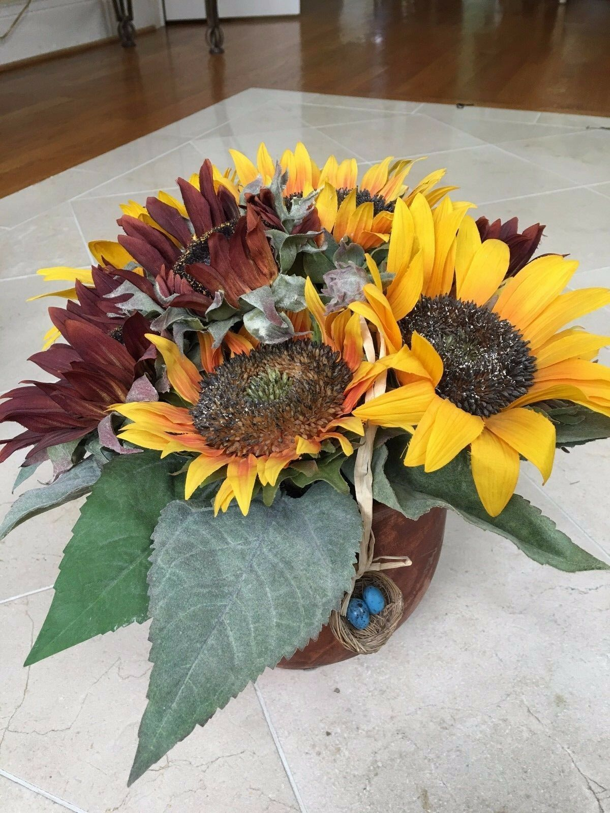NDI Floral Arrangement of Mixed Sunflowers w    Grünery in Wooden Flower Pot 72967c