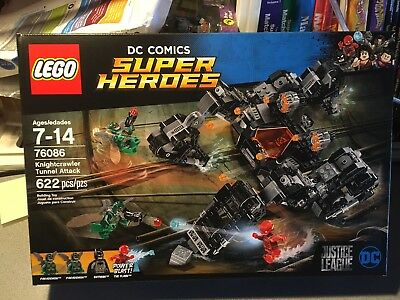 RETIRED SET by LEGO DC Comics Super Heroes Knightcrawler Tunnel Attack 76086