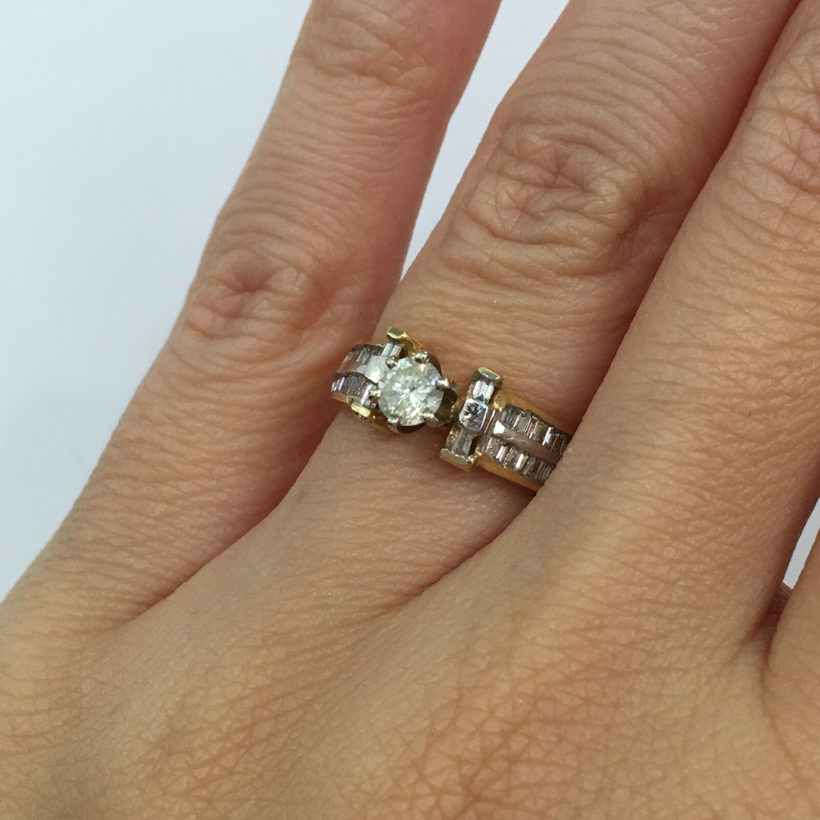 0.85 Ct Round Brilliant and Baguette Cut Diamond Engagement Ring in 14k gold H-I