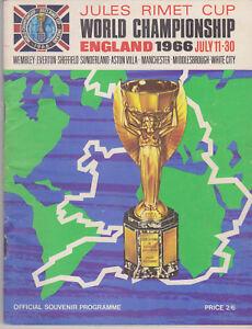 Official Tournament Programme / Programma FIFA World Cup 1966 England - Zeist, Nederland - Staat: Tweedehands : Een object dat al eerder is gebruikt. Het object kan tekenen van cosmetische slijtage vertonen, maar werkt naar behoren. Dit object kan een showroommodel zijn of een object dat aan de verkoper geretourneerd is nadat - Zeist, Nederland