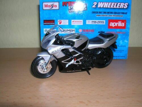 CBR 600F4i schwarz silber CBR 600 F4 i 1:18 Motorrad Maisto Honda CBR600F4i
