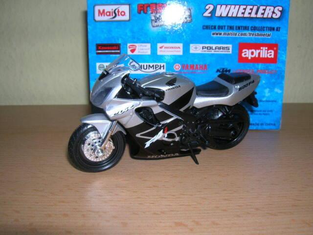 Maisto Honda Cbr600f4i / CBR 600 F4 I / CBR 600f4i Black Silver, 1:18 Motorcycle