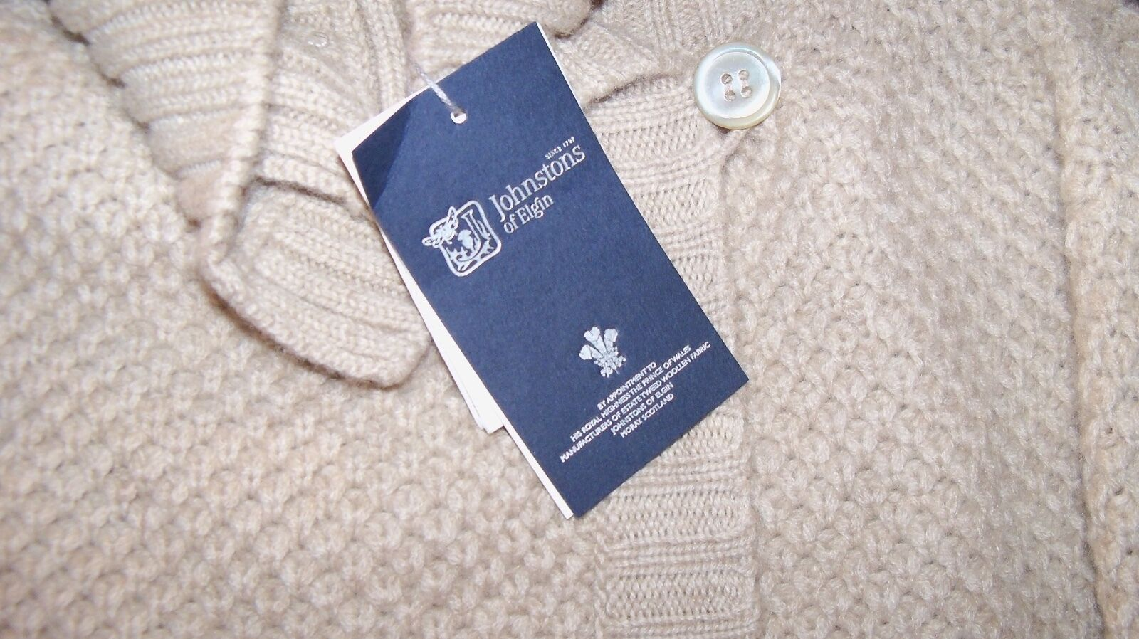 Johnstons of Elgin New w Tags Cashmere Honeycomb Stitch Revere Collar Cardigan L