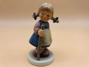 Hummel-Figurine-768-Cute-Fash-3-1-2in-1-Wahl-Top