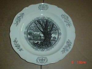 Wedgwood-Collectors-Plate-THE-GEORGE-WYTHE-HOUSE-WILLIAMSBURG-VIRGINIA
