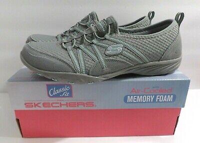 Skechers Gray Slip-on Easy Movin/' Memory Foam Shoes Classic Size 9