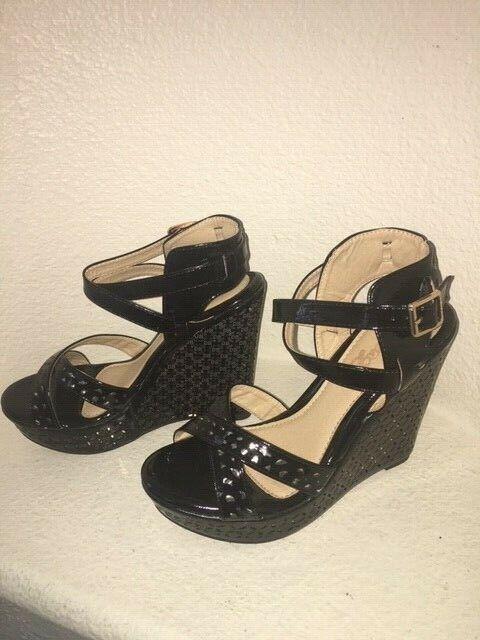 NIB ELEGANT FOOTWEAR CREE Wedge Sandal - Size 8.5