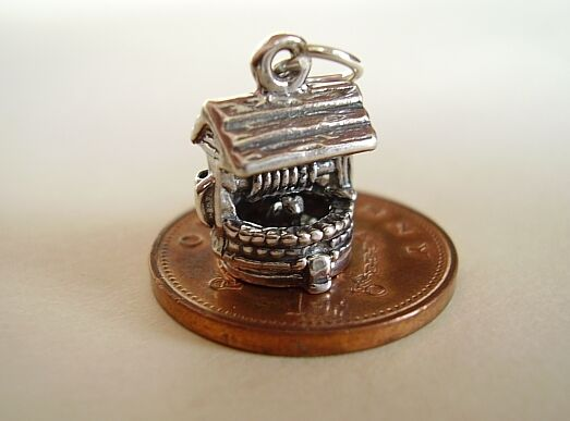 LOVELY  ' PUSSY CAT IN THE WELL ' OPENING  STERLING SILVER CHARM
