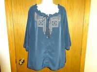 Women's Old Navy Blue Embroidered Blouse Size Large 3/4 Sleeves