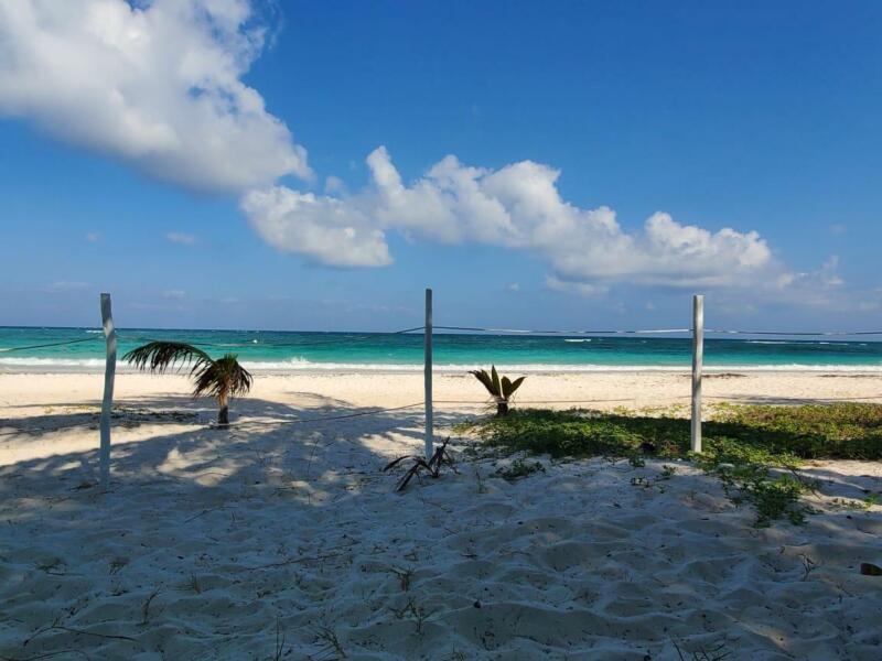 Lotes residenciales con financiamiento y club de playa  (738)