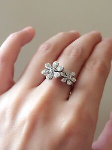 Beautiful-hallmarked-18ct-18k-white-Gold-and-0-12ct-diamonds-floral-ring-size-I