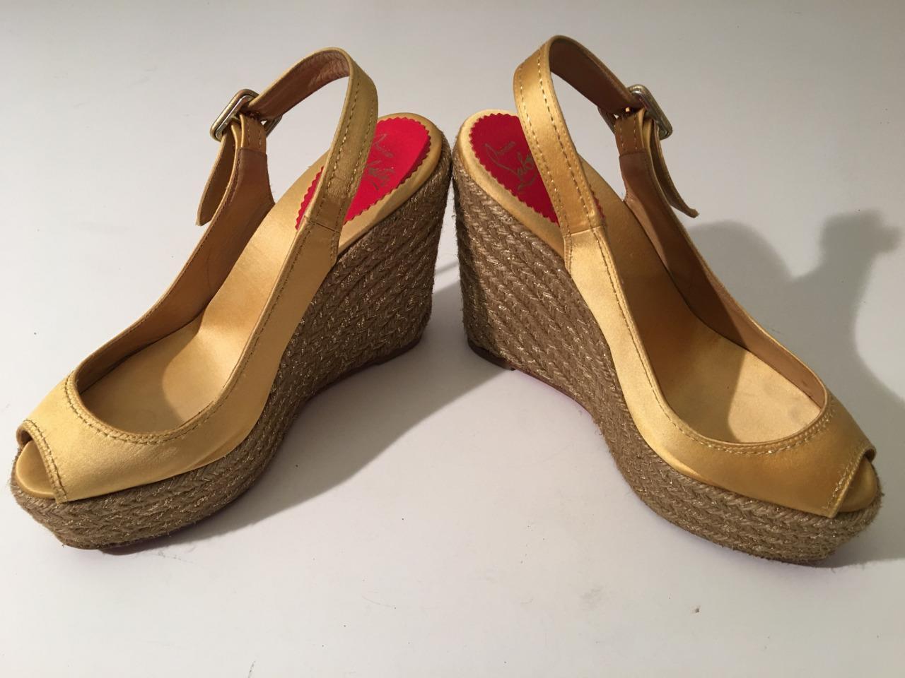 Auth Christian Louboutin oro satinado Menorca Menorca Menorca Alpargatas Cuñas Zapatos Talla 37  colores increíbles