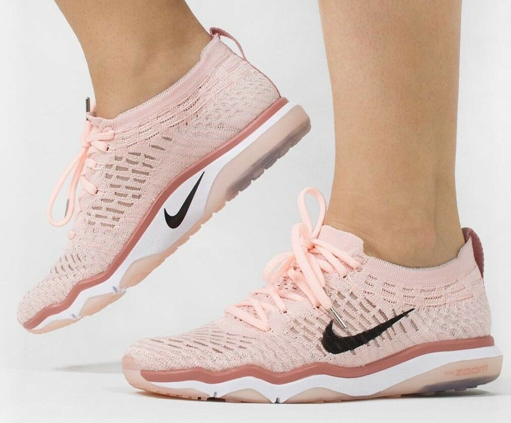 NIKE WMNS AIR ZOOM FEARLESS FLYKNIT BIONIC SZ: 10  RETAIL:   .